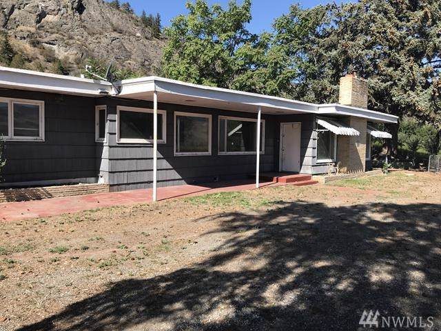17 Tom Dull Rd, Oroville, WA 98841 (#1517548) :: Canterwood Real Estate Team