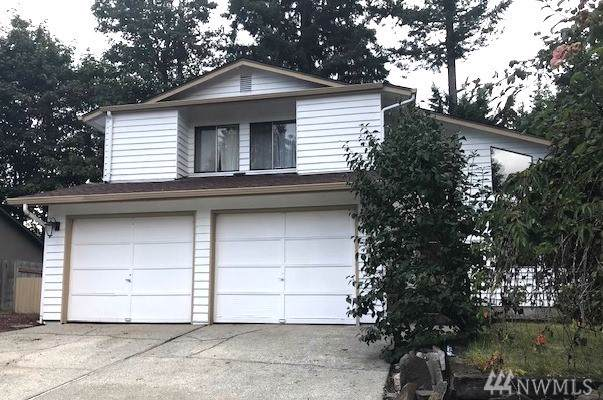 22210 SE 268th St, Maple Valley, WA 98038 (#1518725) :: Keller Williams - Shook Home Group