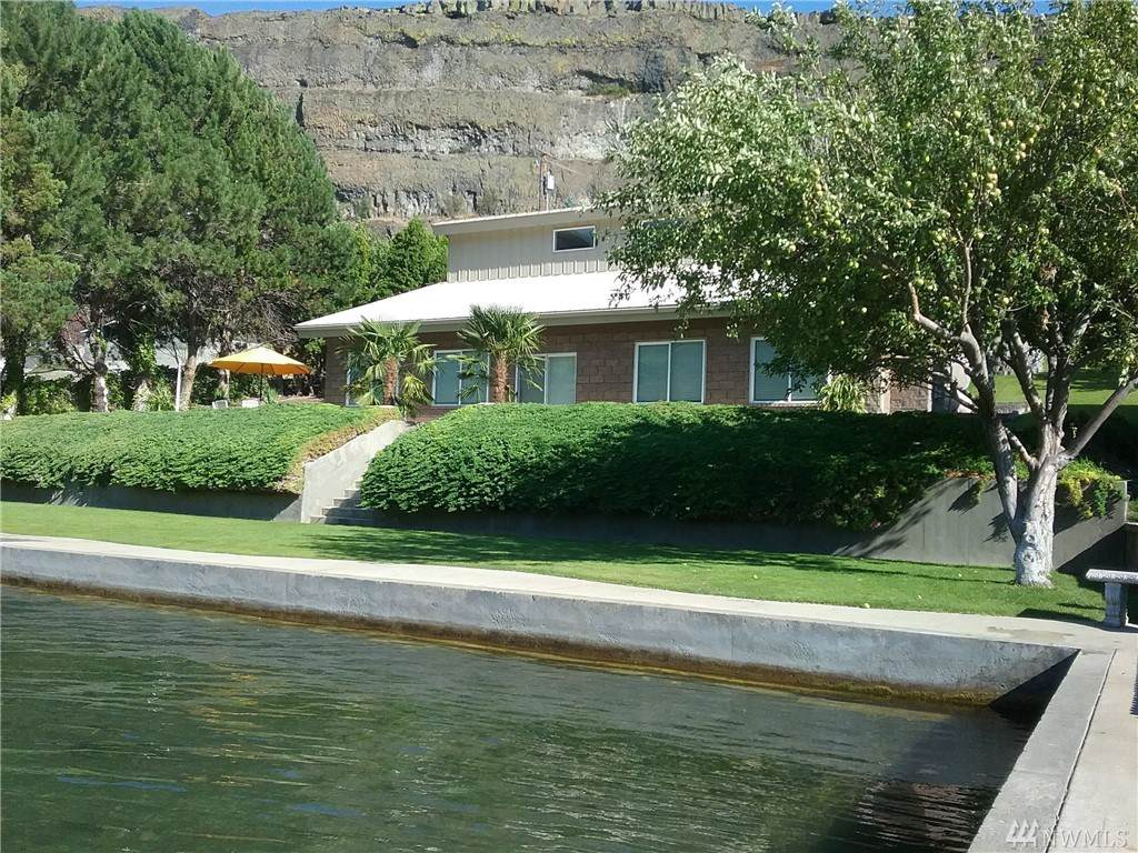 32656 Lake Shore Dr - Photo 1