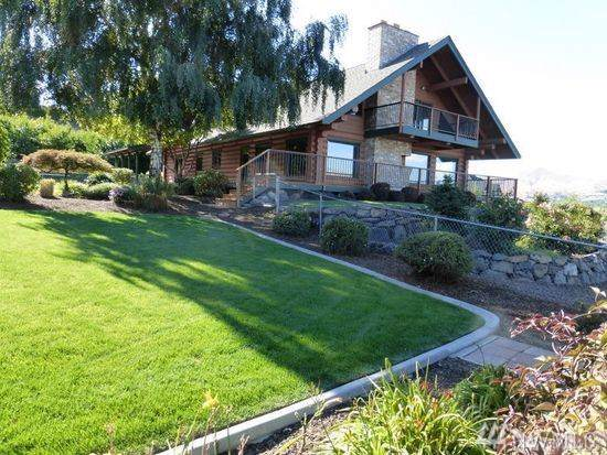 2220 N Western Ave, Wenatchee, WA 98801 (#1526739) :: Lucas Pinto Real Estate Group