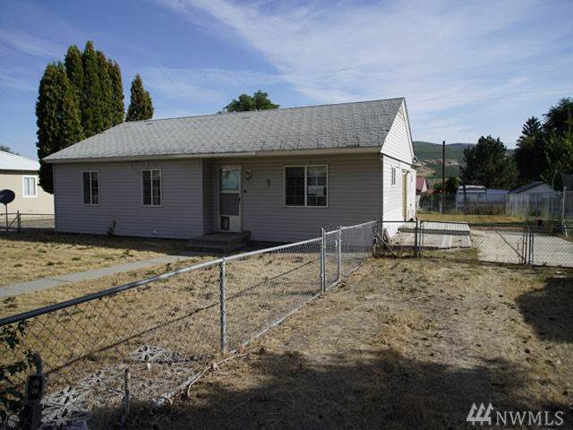 1705 Fisk Ave, Bridgeport, WA 98813 (#1528742) :: Lucas Pinto Real Estate Group