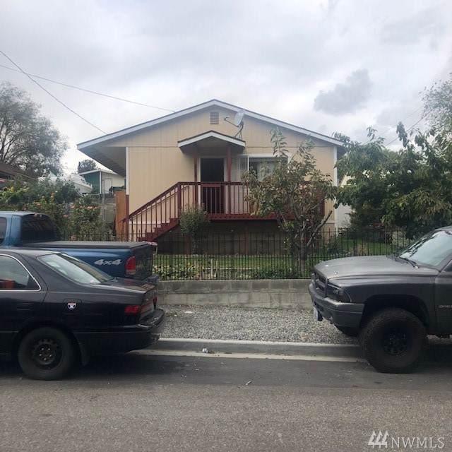 828 S Chelan Ave, Wenatchee, WA 98801 (#1529644) :: Record Real Estate