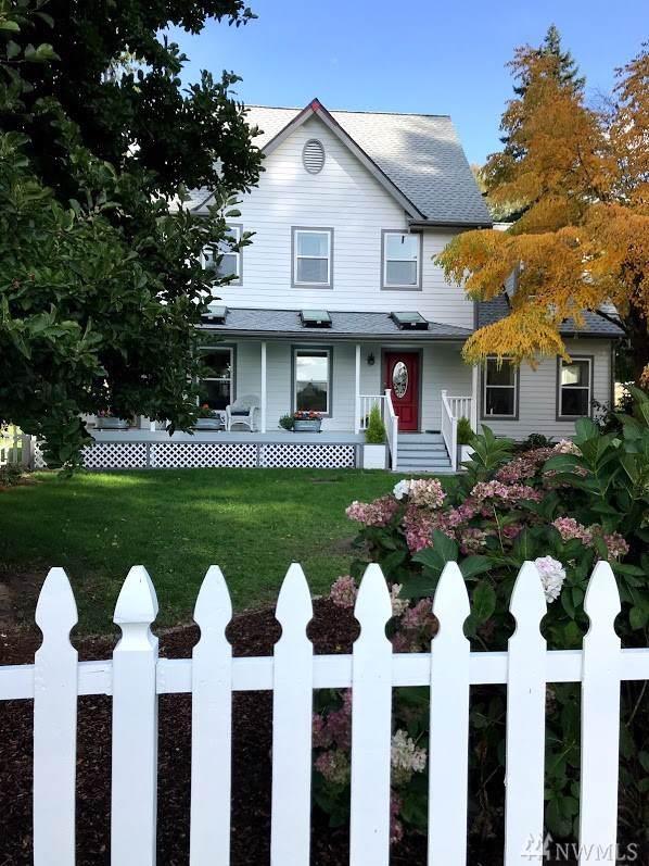 5635 Hawksbeard Rd, Freeland, WA 98249 (#1529876) :: Hauer Home Team