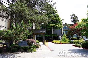 2500 81st Ave SE #110, Mercer Island, WA 98040 (#1536963) :: Tribeca NW Real Estate