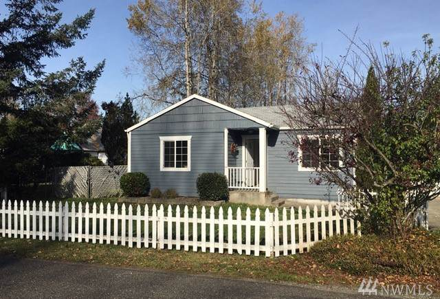 2023 91st St E, Tacoma, WA 98445 (#1537365) :: Alchemy Real Estate