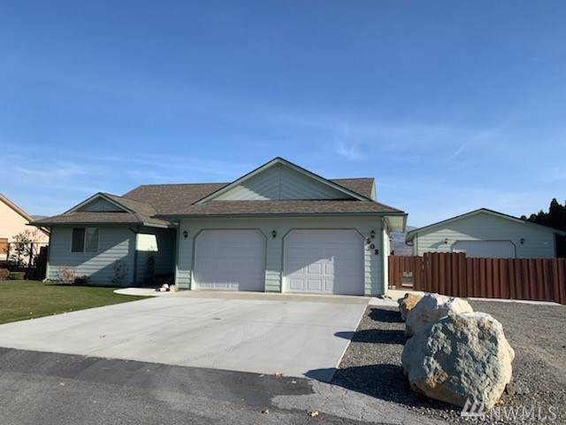 503 Jonathan Lane, Omak, WA 98841 (#1538521) :: Crutcher Dennis - My Puget Sound Homes