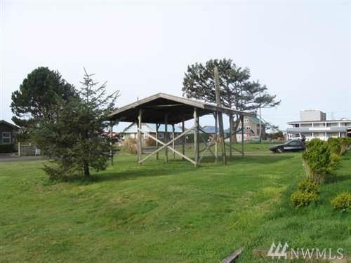 18 Third St, Pacific Beach, WA 98571 (#1540206) :: Mike & Sandi Nelson Real Estate