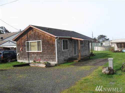 30 Fourth St S, Pacific Beach, WA 98571 (#1540226) :: Mike & Sandi Nelson Real Estate