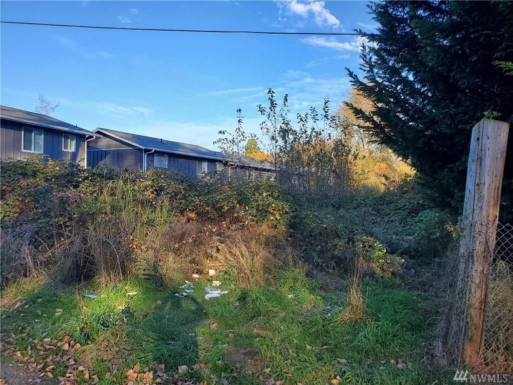 1106 Wood Ave - Photo 1