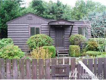 10233 28th Ave SW, Seattle, WA 98146 (#1540667) :: Hauer Home Team