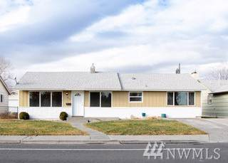 412 N Central Dr, Moses Lake, WA 98837 (MLS #1542843) :: Nick McLean Real Estate Group
