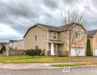 9410 E Country Hollow Dr E, Puyallup, WA 98375 (#1543170) :: The Robinett Group