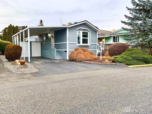 5900 64th St NE #207, Marysville, WA 98270 (#1545845) :: Real Estate Solutions Group
