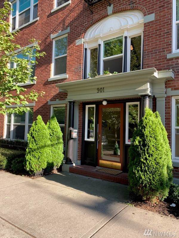 901 NE 43rd St #106, Seattle, WA 98105 (#1548310) :: Record Real Estate