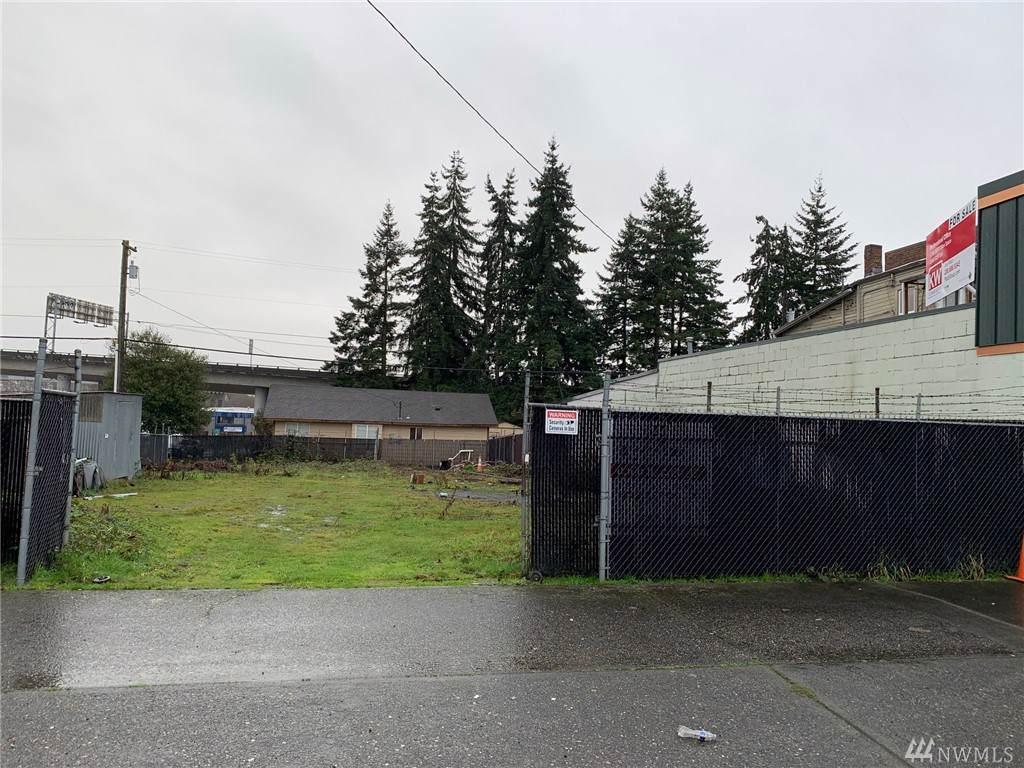 3418 Everett Ave - Photo 1