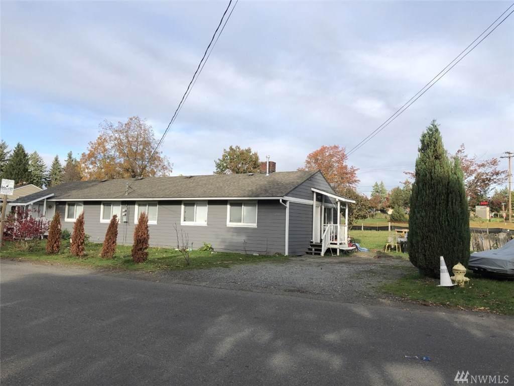 1700-1702 Harrington Ave - Photo 1