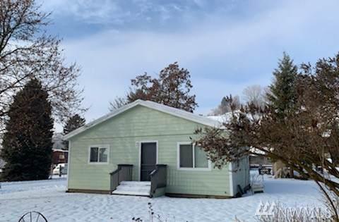 101 Elm St N, Omak, WA 98841 (#1557211) :: The Kendra Todd Group at Keller Williams