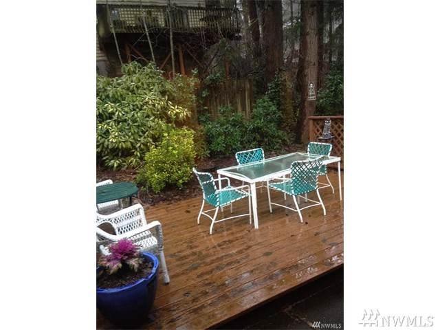 1049 Ferncliff Ave NE, Bainbridge Island, WA 98110 (#1558407) :: Diemert Properties Group