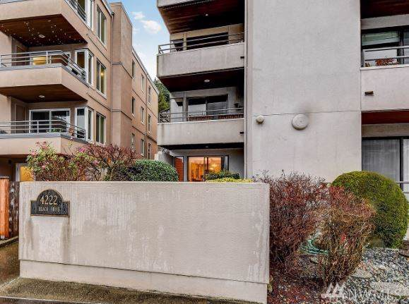 4222 Beach Dr SW #101, Seattle, WA 98116 (#1558830) :: The Kendra Todd Group at Keller Williams
