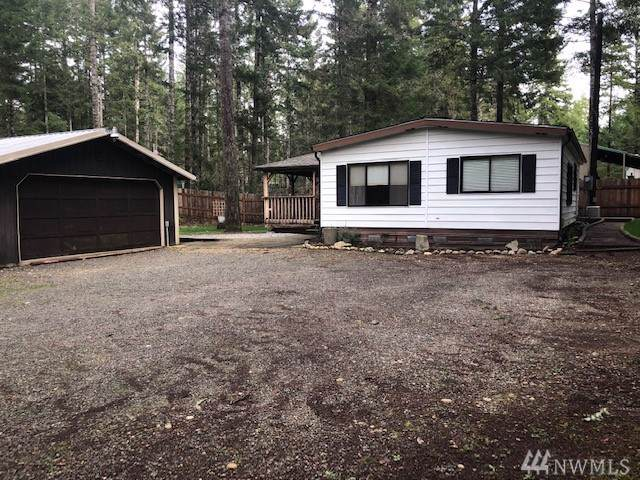 40 NE Lake Place, Tahuya, WA 98588 (#1561003) :: The Kendra Todd Group at Keller Williams