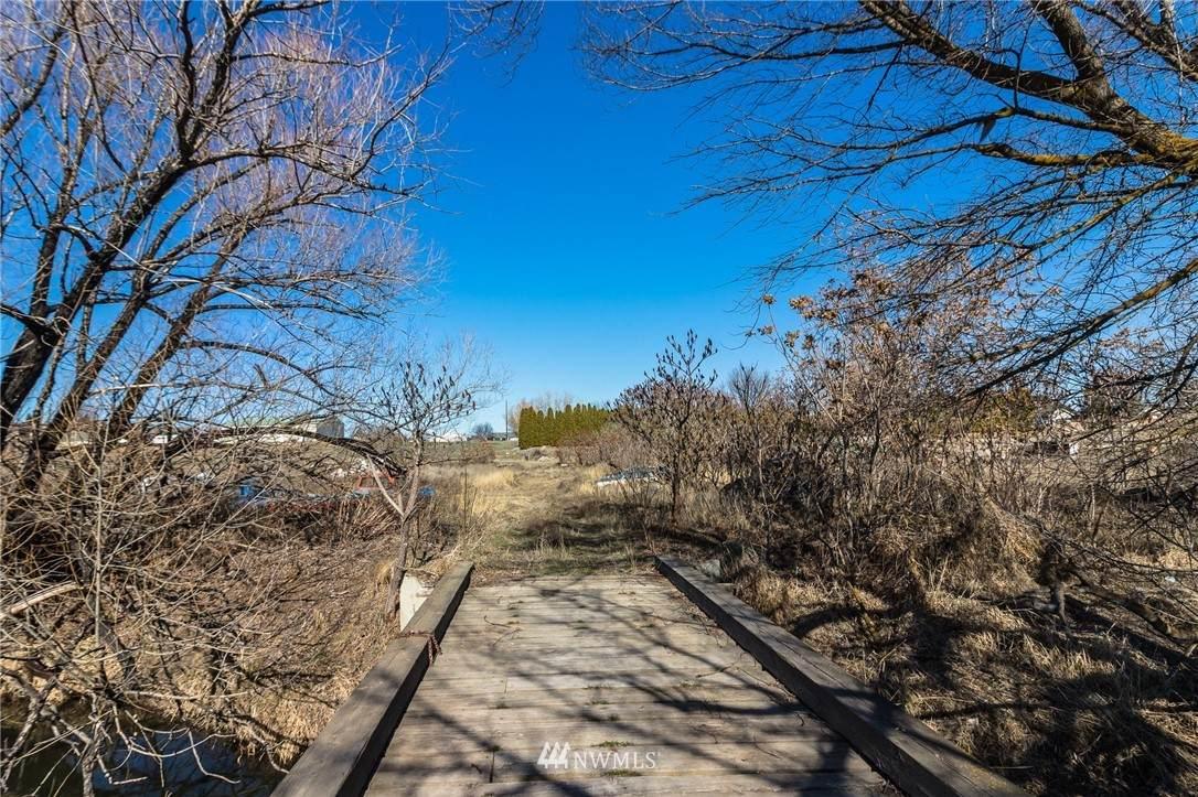 2802 Racquet Lane - Photo 1