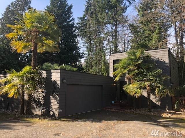 1605 112th Ave NE, Bellevue, WA 98004 (#1570445) :: Keller Williams Realty