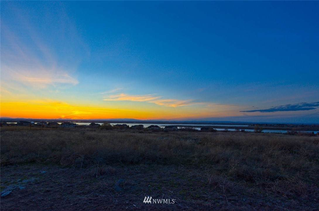 8266 Dune Lake Road - Photo 1