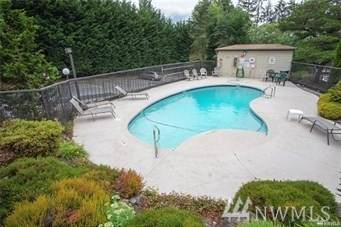 701 NE 136th Place NE B5, Bellevue, WA 98005 (#1578718) :: NW Homeseekers