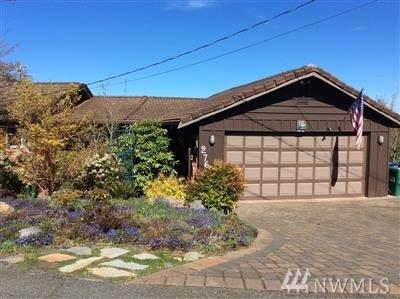 2766 SW 167TH St, Burien, WA 98166 (#1583555) :: The Kendra Todd Group at Keller Williams