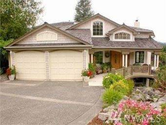1140 NW Honeywood Place, Issaquah, WA 98027 (#1584749) :: The Kendra Todd Group at Keller Williams