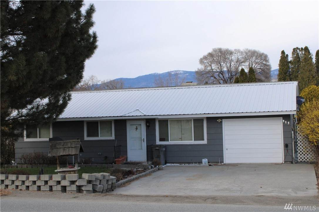 915 19th Ave - Photo 1