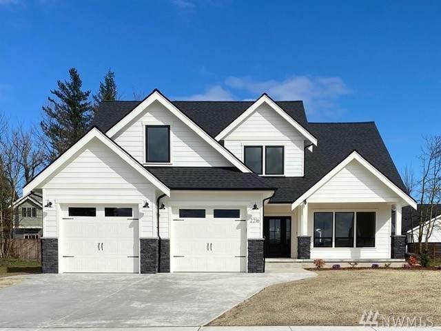 2216 Berryman Lp, Lynden, WA 98264 (#1587023) :: Ben Kinney Real Estate Team