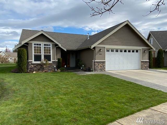 1366 Pearl Lp, Lynden, WA 98264 (#1587057) :: Hauer Home Team