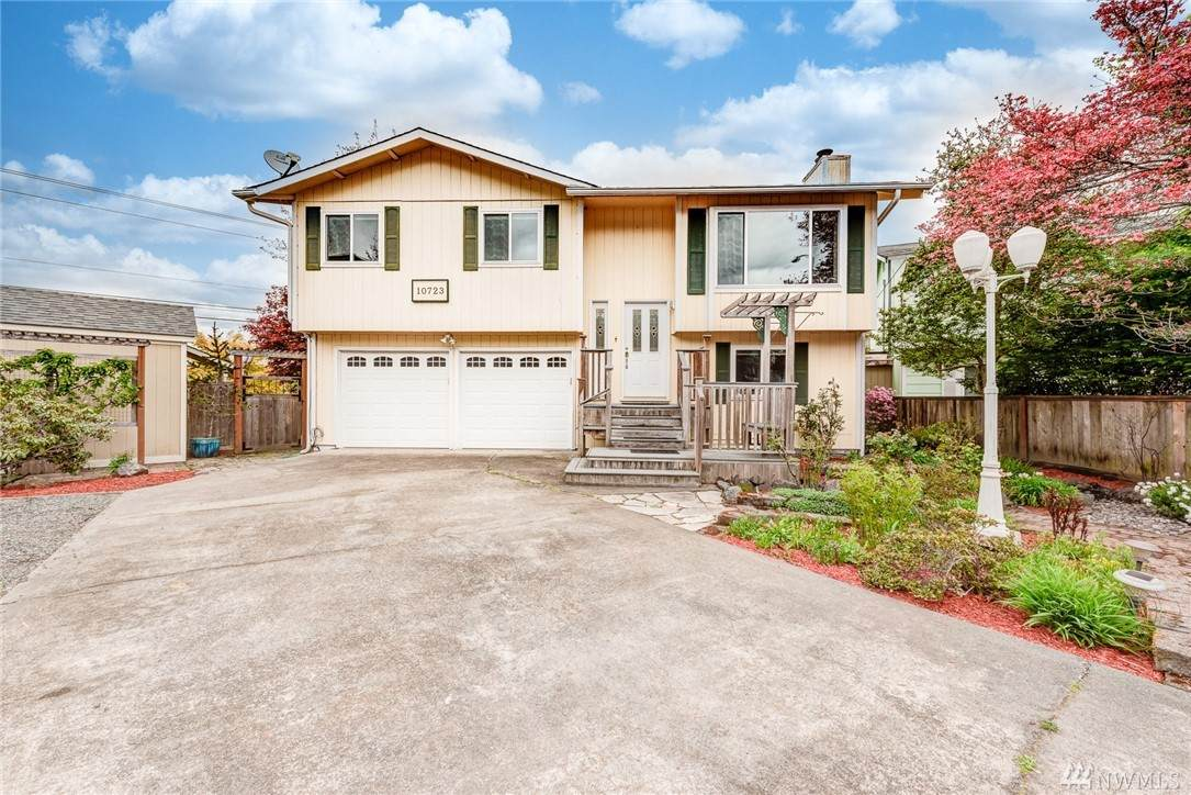10723 52nd Ave - Photo 1