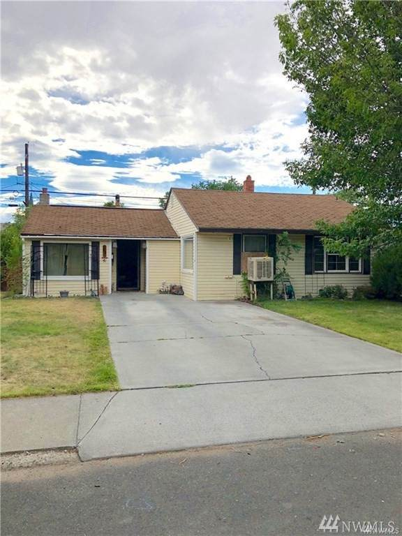 11 NE F St, Ephrata, WA 98823 (MLS #1594999) :: Nick McLean Real Estate Group