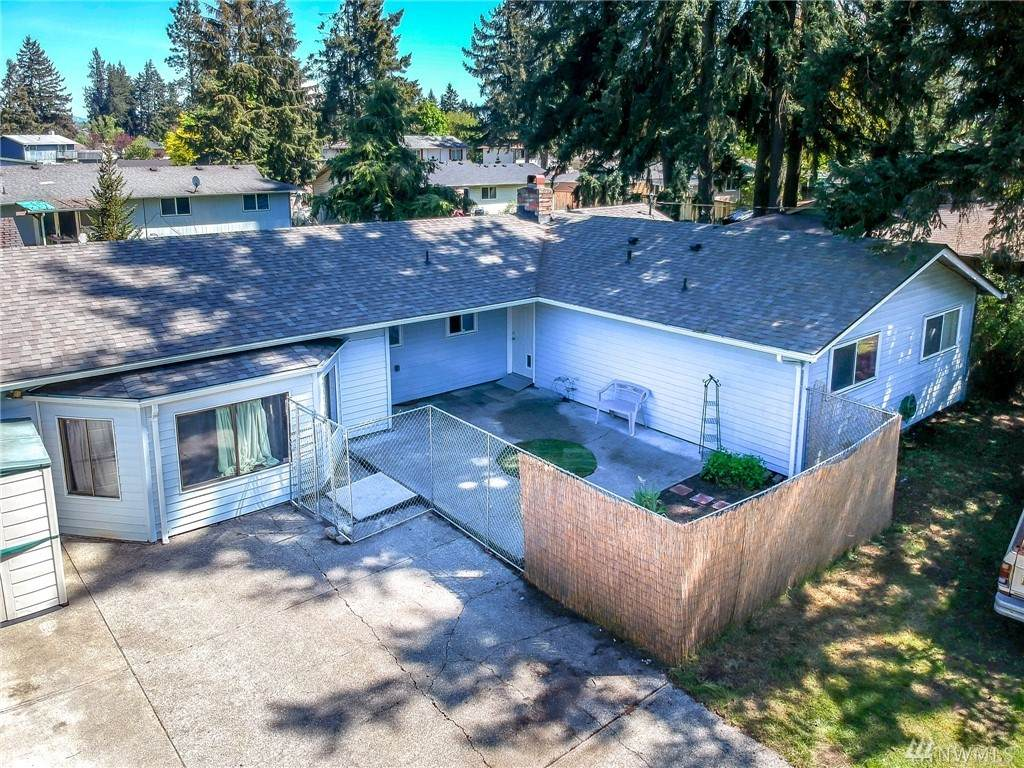19413 8th Ave - Photo 1
