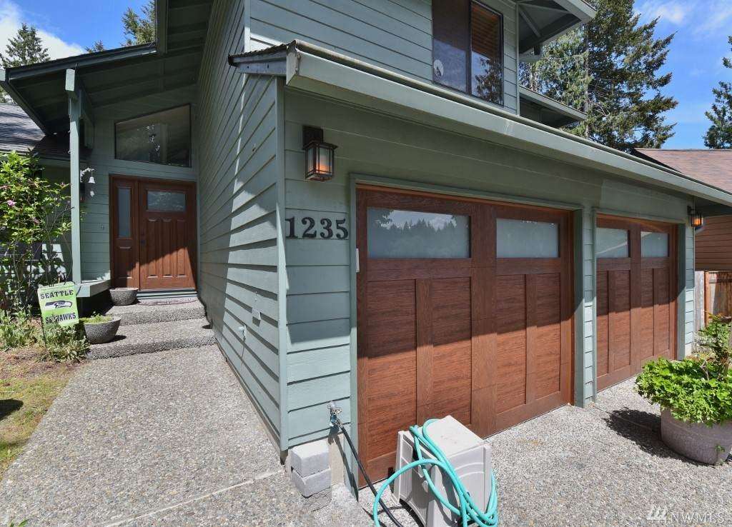 1235 Huckle Dr - Photo 1