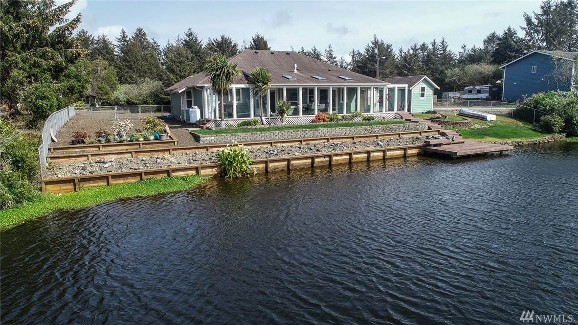 457 Canal Dr - Photo 1