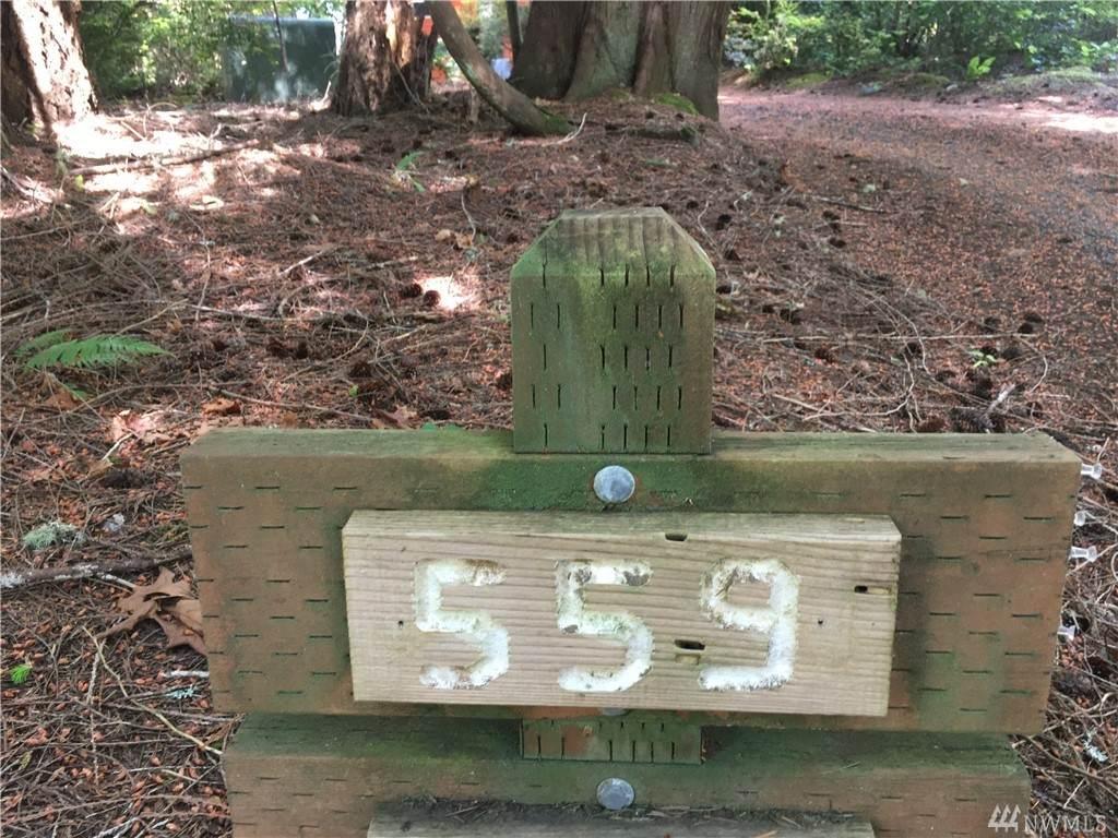 559 Pointes Dr - Photo 1