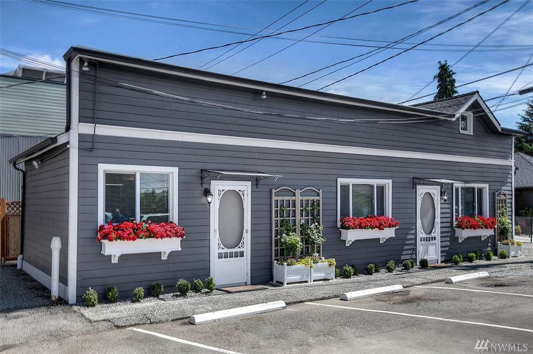 15212 9th Ave - Photo 1