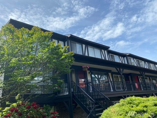 3425 S 176th St #238, SeaTac, WA 98188 (#1605938) :: NW Homeseekers