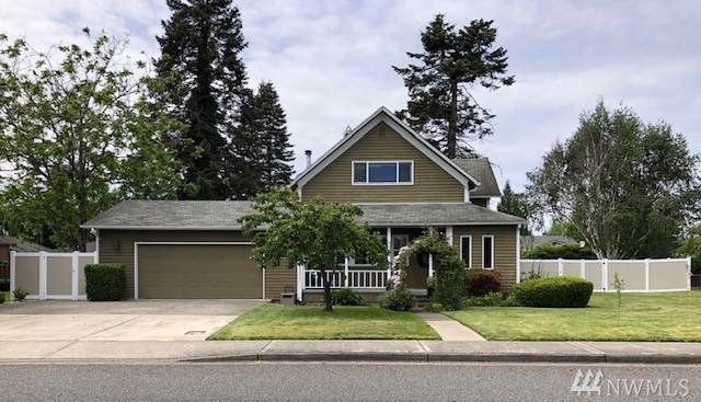 944 13th St SE, Puyallup, WA 98372 (#1605985) :: Lucas Pinto Real Estate Group