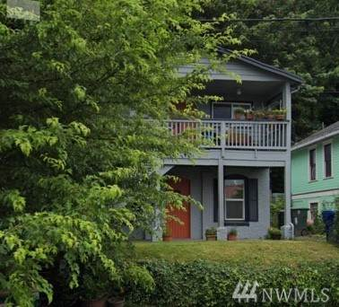 3831 17th Ave Sw, Seattle, WA 98106 (#1608033) :: Alchemy Real Estate