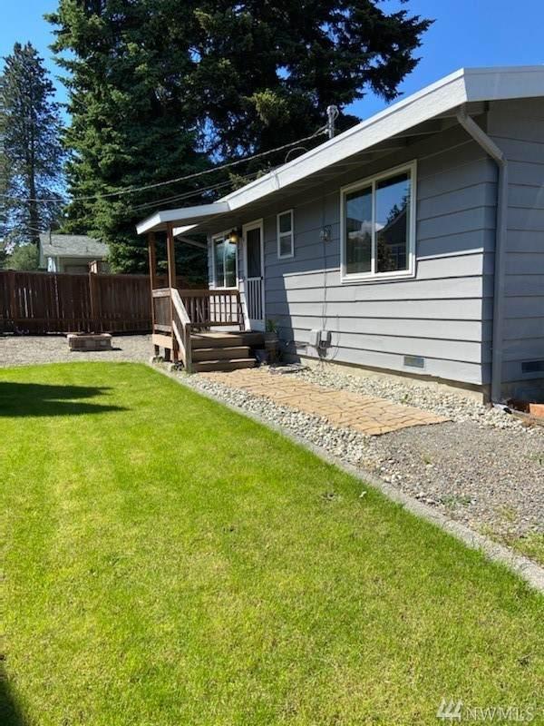 1402 Palm Ave, Everett, WA 98203 (#1609457) :: Pickett Street Properties