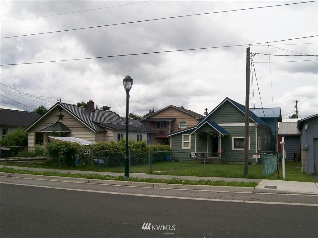 108 Kentucky Avenue - Photo 1