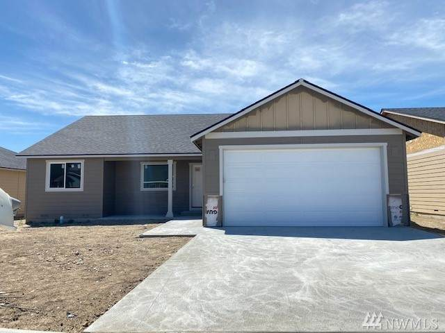 2215 S Mystical Lp, East Wenatchee, WA 98802 (#1619292) :: The Kendra Todd Group at Keller Williams