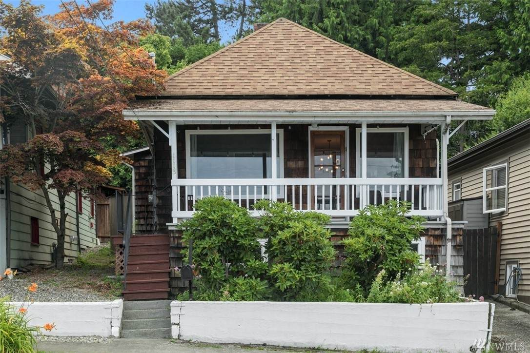 1113 33rd Ave - Photo 1