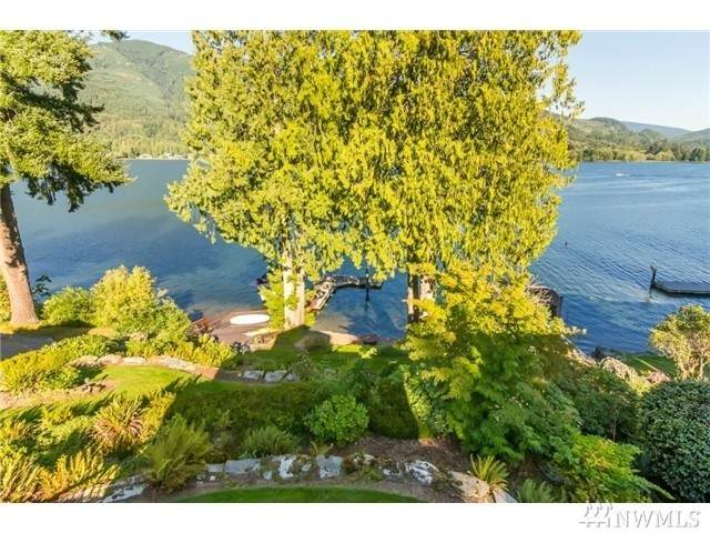 486 W Lake Samish Dr, Bellingham, WA 98229 (#1627962) :: Real Estate Solutions Group
