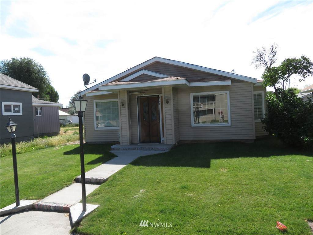 202 Birch Avenue - Photo 1