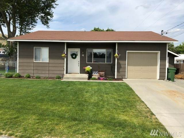 4 Jonathan Ave W, Omak, WA 98841 (MLS #1631958) :: Nick McLean Real Estate Group